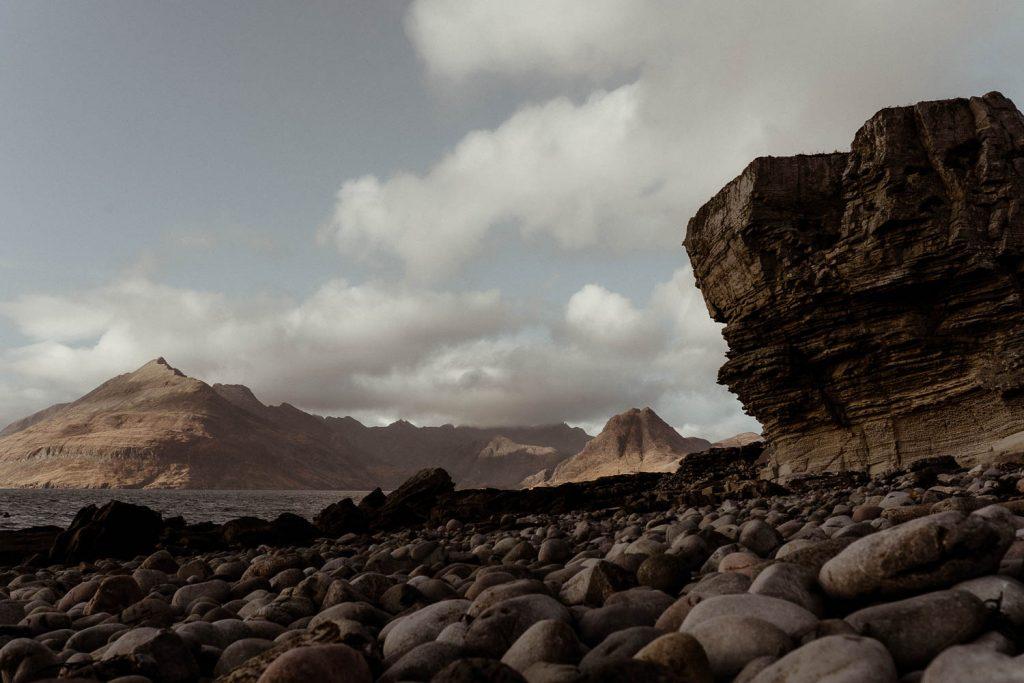 elgol-view-of-cuillin-mountains